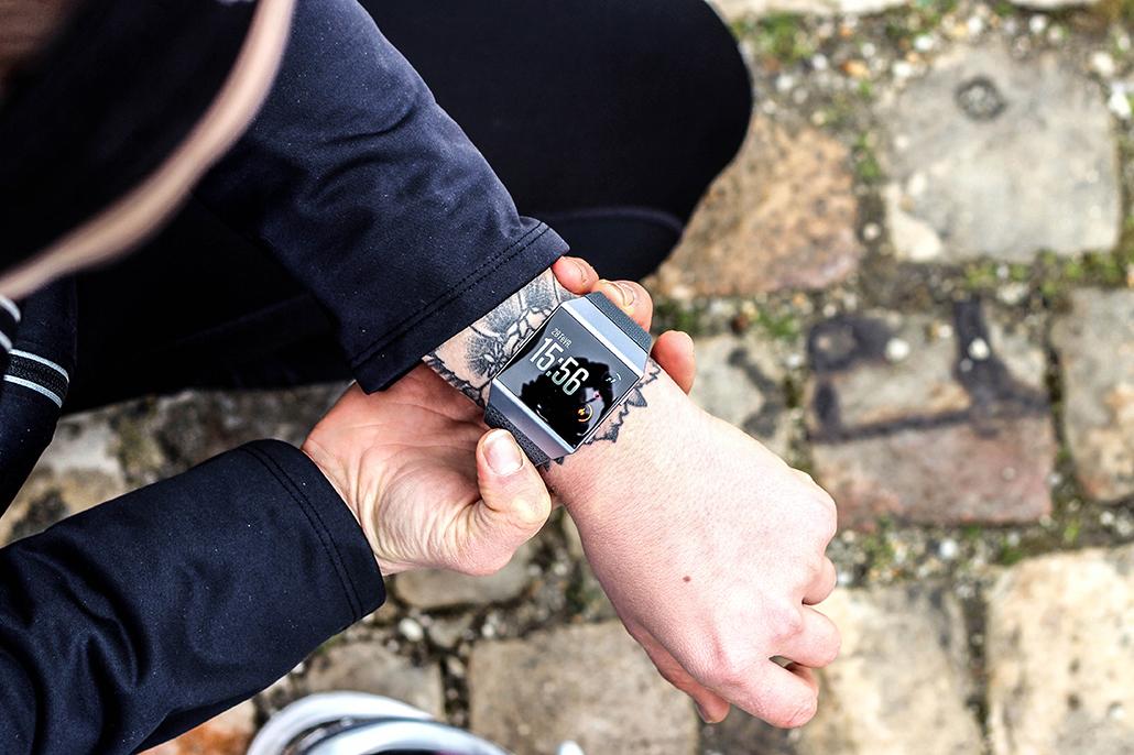 Fitbit Ionic – La montre-coach – Test et Avis