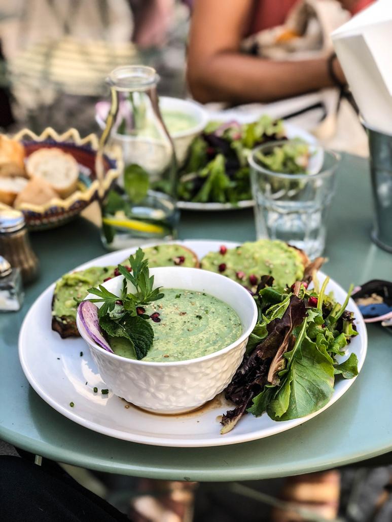Kitchen garden restaurant végétarien veggie déjeuner lunch vegan Bordeaux centre avocat Avocado toast bonne adresse healthy sain avis