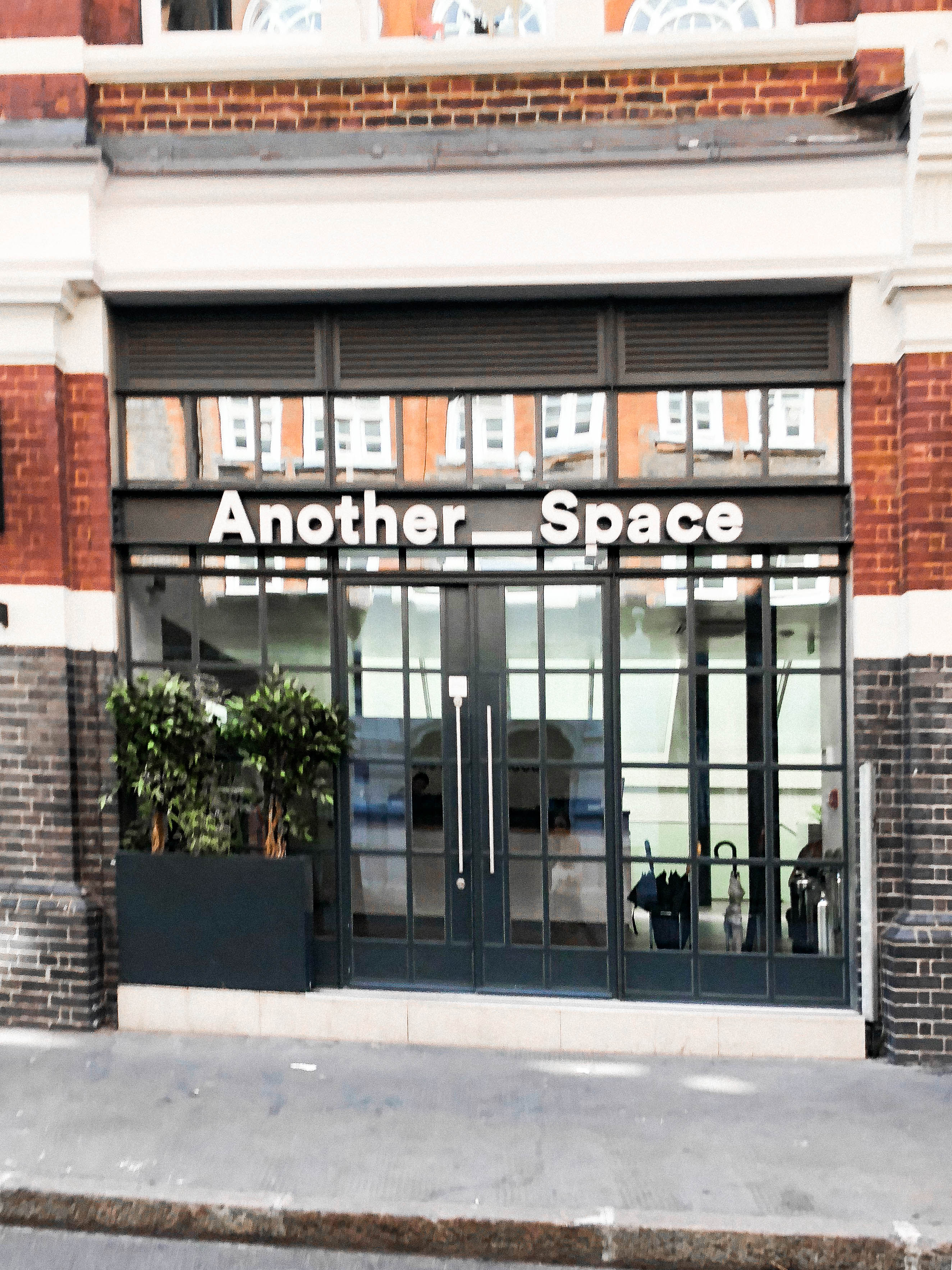 Another space salle sport Londres London Training Covent Garden HIIT cycling training yoga premium