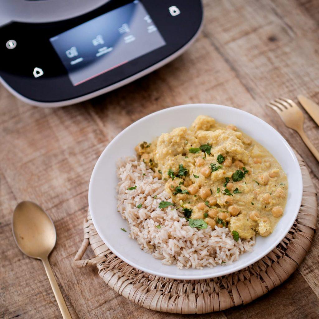Curry de chou-fleur au pois chiches avec Cookit de Bosch