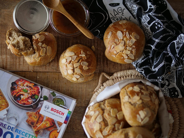 Petits pains briochés aux amandes avec Cookit de Bosch