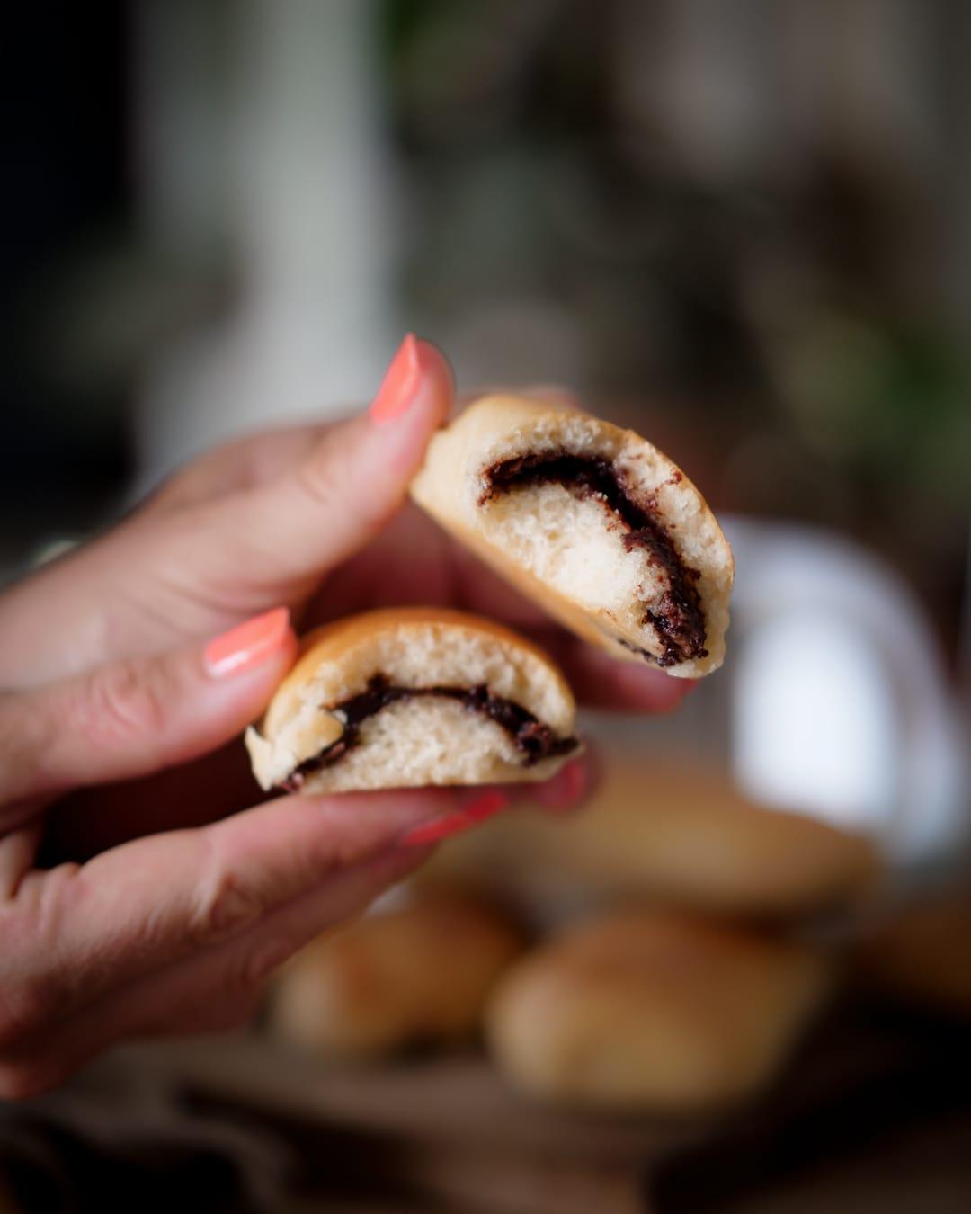 Recette de petits pains briochés fourrés à la pâte tartiner au chocolat